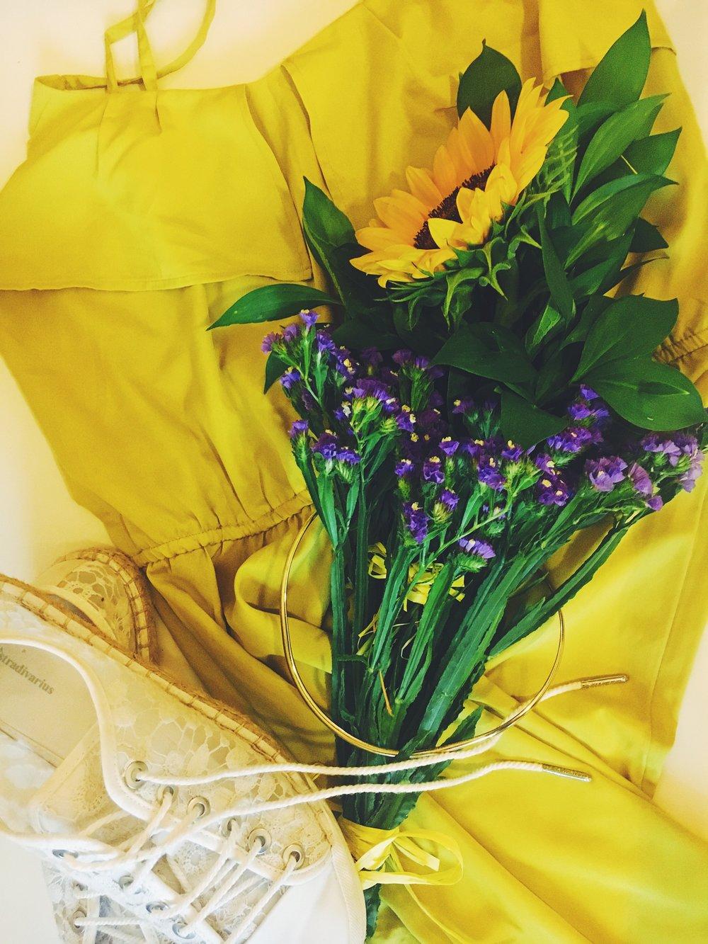 SunShine in my pocket - Слънчо гледам...#рокля в жълто и златни акценти