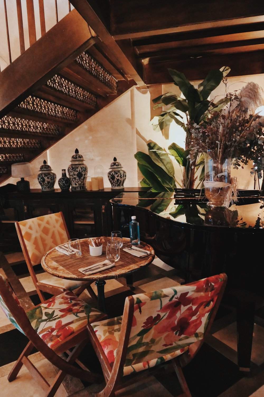 Заведението предлага красиви и екзотични коктeйли, с вкус на Куба :)