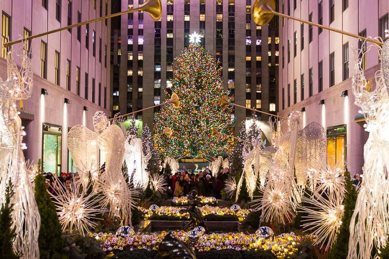 Rockefeller-Plaza-New-York-City-at-Christmas.jpg