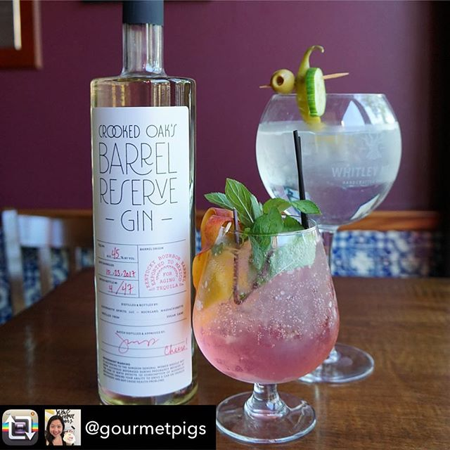 Repost from @gourmetpigs - Recently I tried this new barrel aged #gin from Boston's South Shore, @crooked_oak_gin! It's been aged 8-10 months in old tequila (formerly bourbon) barrels. The gin itself is not as juniper forward (good intro gin for ppl not yet into gin). @tabernadeharo made some nice Gin & Tonics with it and paired it with tapas! #drinklocal #drinklocalma