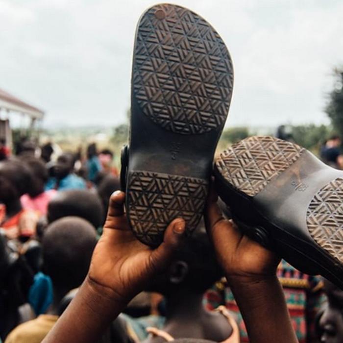 samaritans-feet-provide-shoes-for-children-eew-magazine700.png