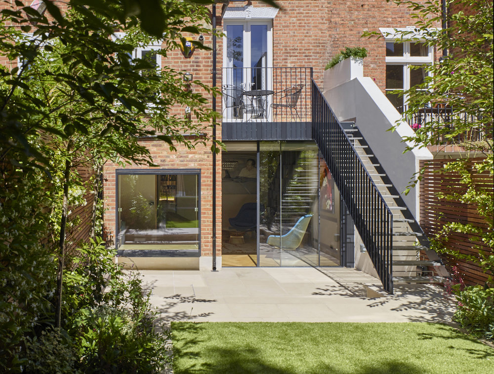 full renovation townhouse in Hampstead including Boffikitchen and bespoke staircaseby minimalist London architect practice Thompson + Baroni architects