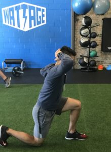 reverse-lunges-on-the-go-workouts
