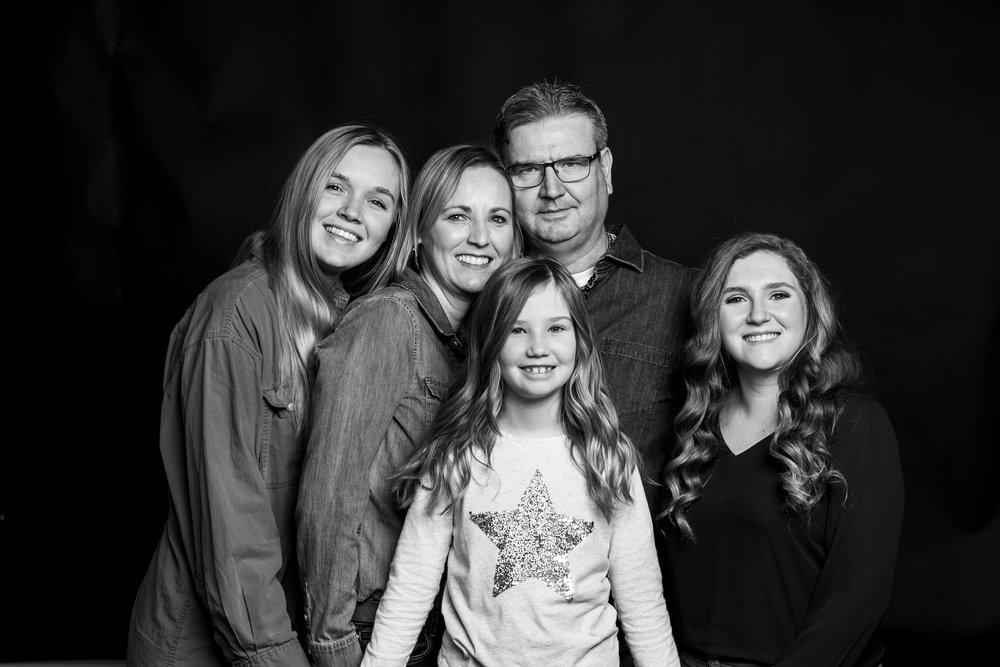 antonia&barb_familyportraitsession-6.jpg