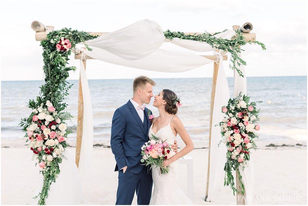 TJ_Now_Sapphire_Riviera_Cancun_Mexico_Wedding_Photos_0243.jpg