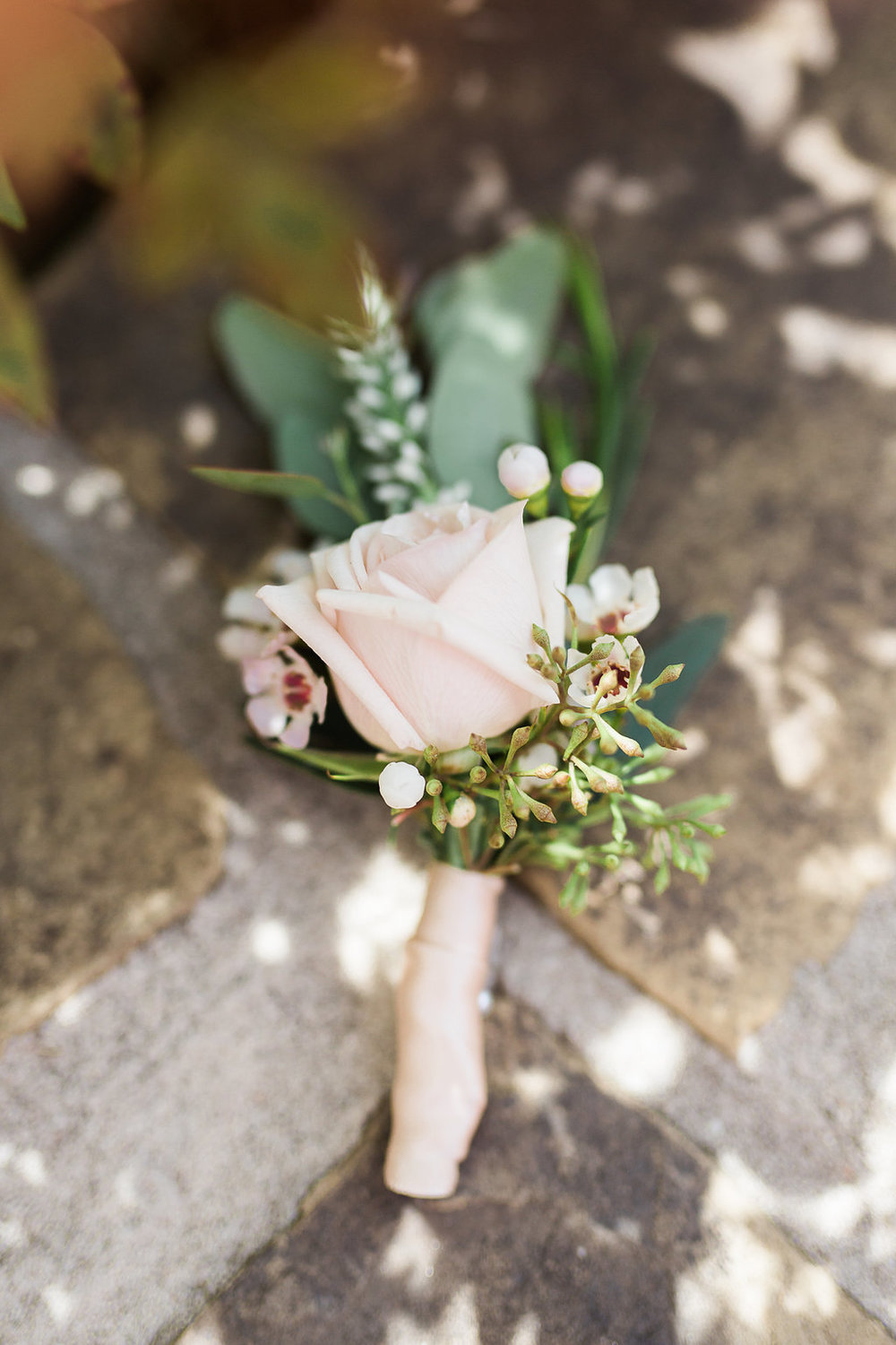 Ivory Cream Boutonniere Idea