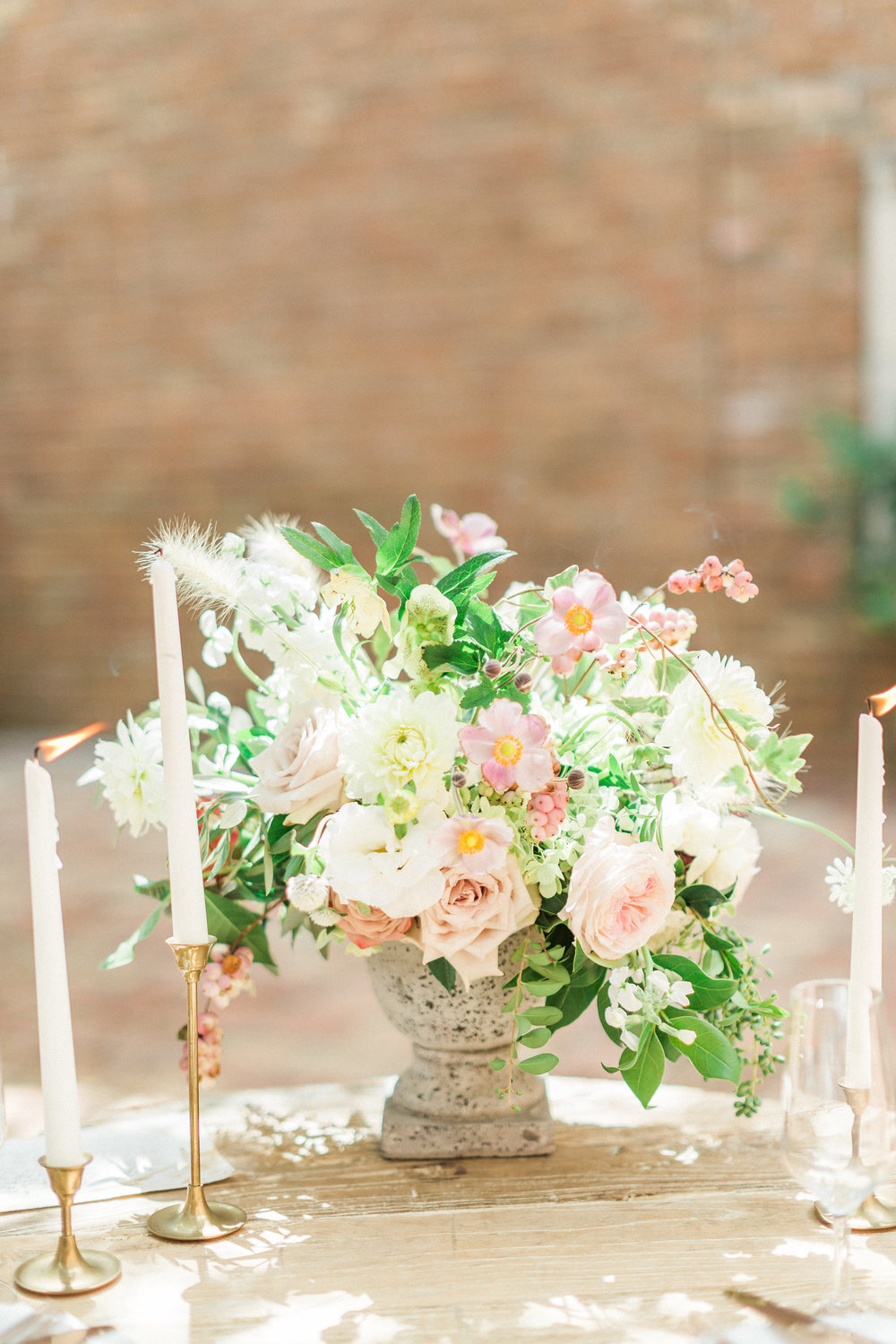 whimsical+centerpiece+lovely+soiree+floral+designs+at+the+gallery+houston+texas