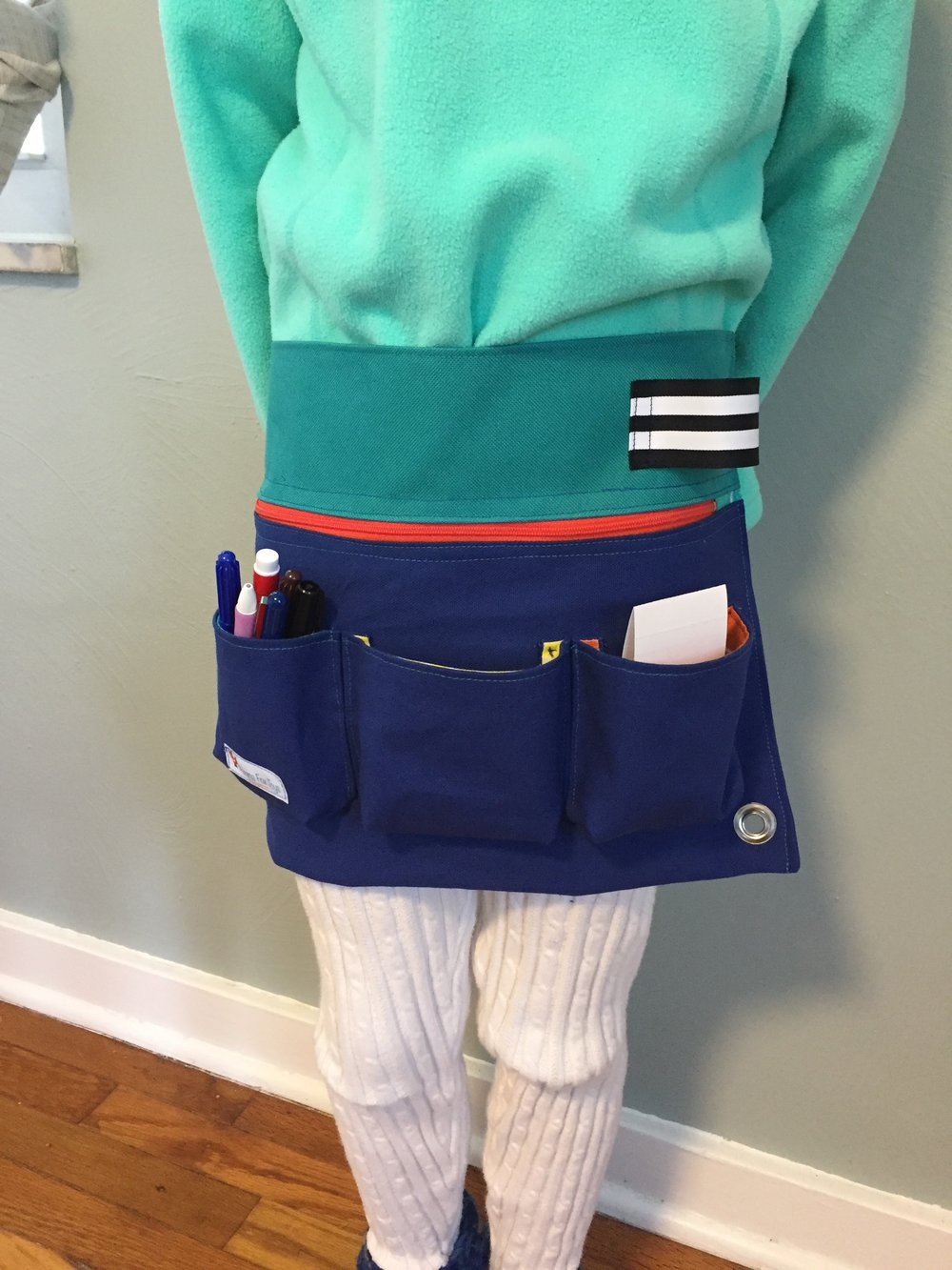 Tool belt with zipper pocket and pouches
