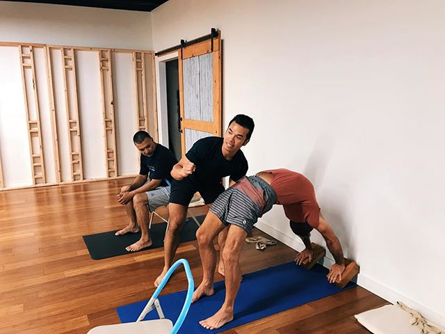 YOGA FOR EVERY MAN. 🧘🏻‍♂️ 🧘‍♂️🧘🏼‍♂️🧘🏽‍♂️🧘🏾‍♂️🧘🏿‍♂️ . . Know a man who needs more yoga in their life but shy away for whatever reason? Our studio is the only studio in #orangecounty 🍊that offers an exclusive Men's Only yoga class. . Our specialty class is offered ⚠️WEDNESDAY⚠️ and ⚠️FRIDAY⚠️ evenings. Learn the physical practice of yoga through clear instructions and demonstrations by yoga teacher and studio owner @jmanacmul. . . WHY 🚹 SH0ULD PRACTICE YOGA: . 🕉 Enhances athletic performance and conditioning. . 🕉 Improves flexibility (i.e. tight hamstrings for 🏃🏻‍♂️, tight shoulders for 🏋🏻‍♂️) . 🕉 Tones your muscles. . 🕉 Alleviates chronic lower back pain. . 🕉 Corrects posture. . 🕉 Cultivates mindfulness, awareness and proprioception. . 🕉 Prevents injury and speeds up recovery. . 🕉 Reduces stress and anxiety. . 🕉 Sharpens focus and calms the mind. . 😈 Boosts your sex life, stamina and libido. . . 📱: You can view the live schedule and/or schedule changes at ocyogastudio.com. . . 📍: @orangecountyyoga studio (Laguna Hills, CA) Located conveniently off the 5 fwy and La Paz exit... We've got plenty of parking! . 💰: First Class FREE. $17 single drop-in or $50 for 5-class pack. . 🤷🏻‍♂️: No mat? No problem! We've got you covered with a mat to borrow (plus props to support your practice). . . 📸 credit: @oh_sadananda
