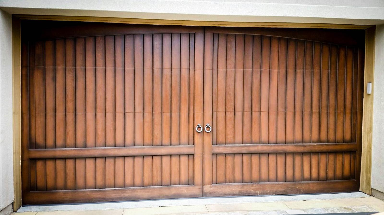 Our work atlantis door atlantis door fountain valley garage door e 4 rubansaba