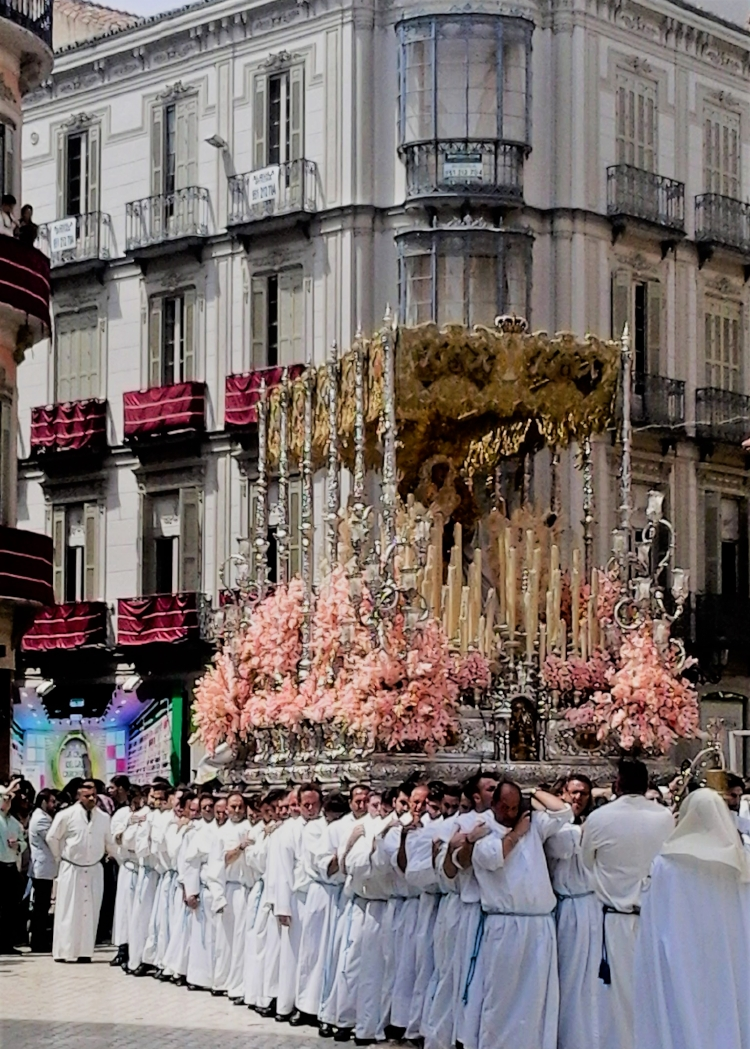 Seeing a processions is a quintessential  Semana Santa  experience.