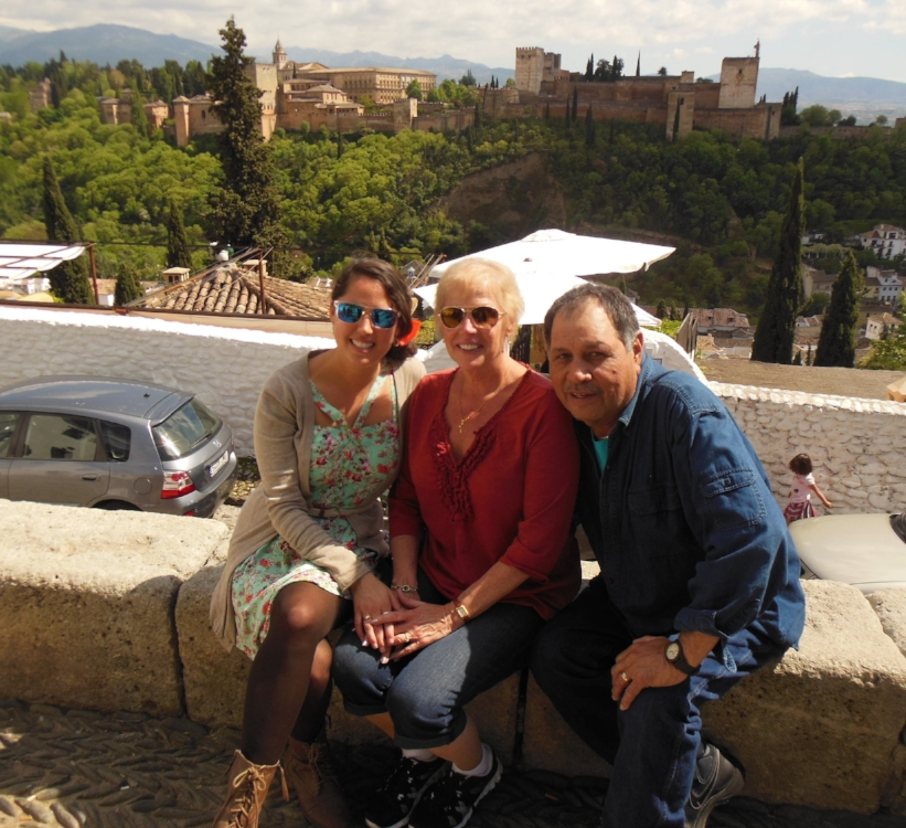 family in front of Alhambra