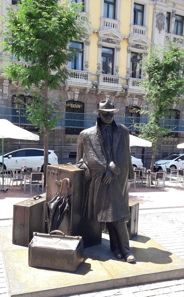 "Bolero's ""Statue Dedicated to the Traveler in Oviedo"" is the perfect place to stop for a memorable photo. I mean, it's dedicated to YOU, after all!"