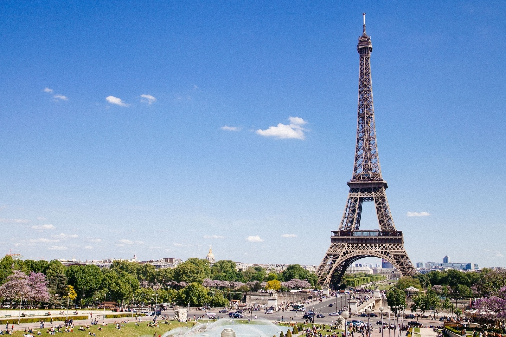 Eiffel tower in Paris. Photo by Free-Photos on Pixabay.