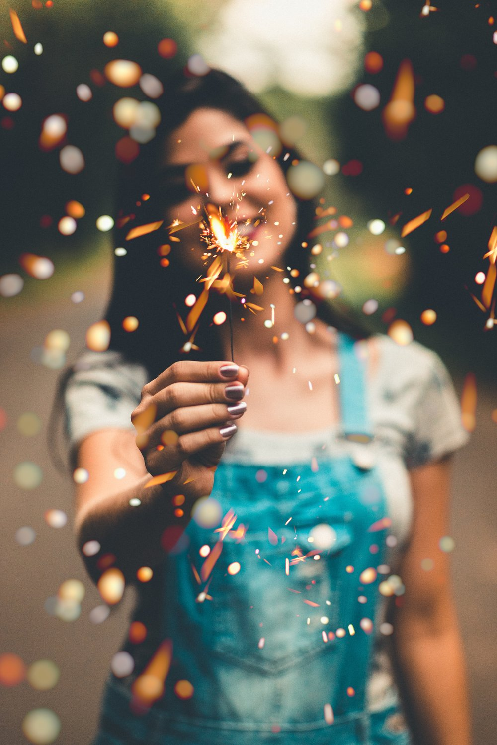 Celebration for New Year's. Photo by Murilo Folgosi on Pexels.