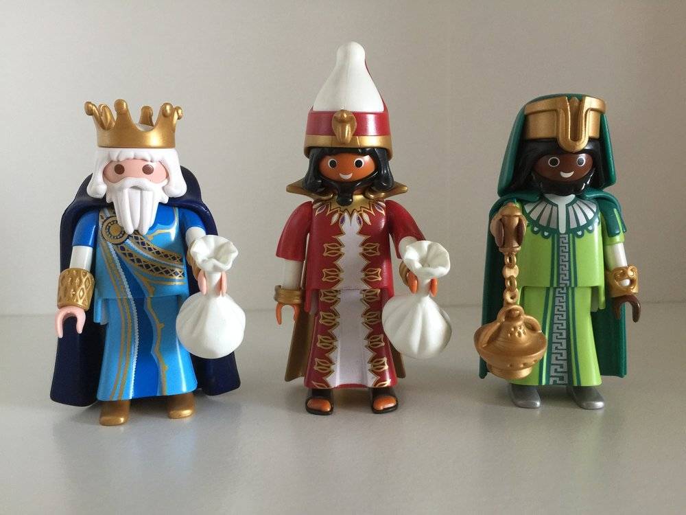 The three wise men ( los Reyes Magos ) play an important role in Spanish Christmas tradition and can be personified in many different ways.