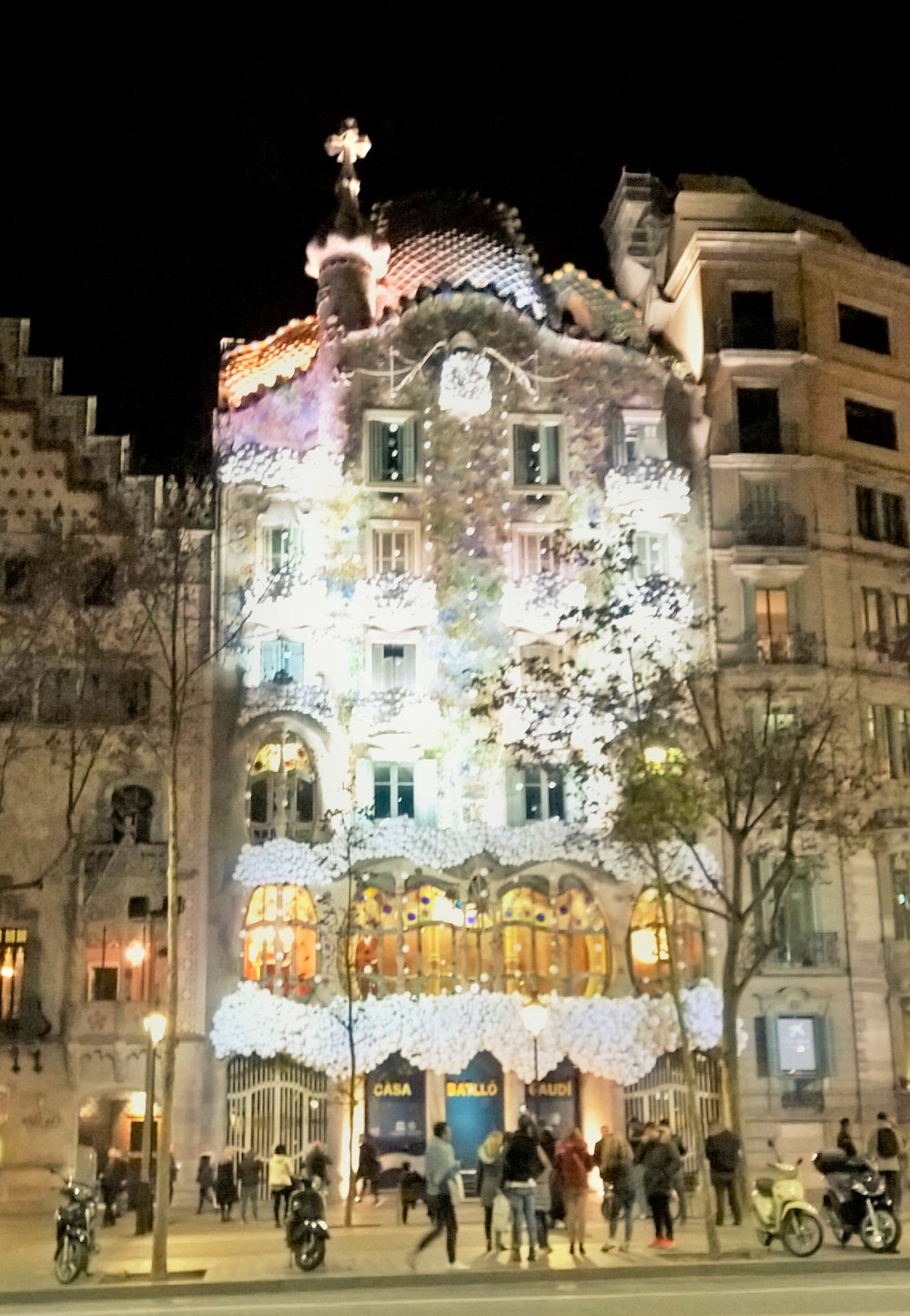 Still, Barcelona is the true gem for Gaudí-lovers as you can happen upon masterpieces like Casa Batlló by chance!