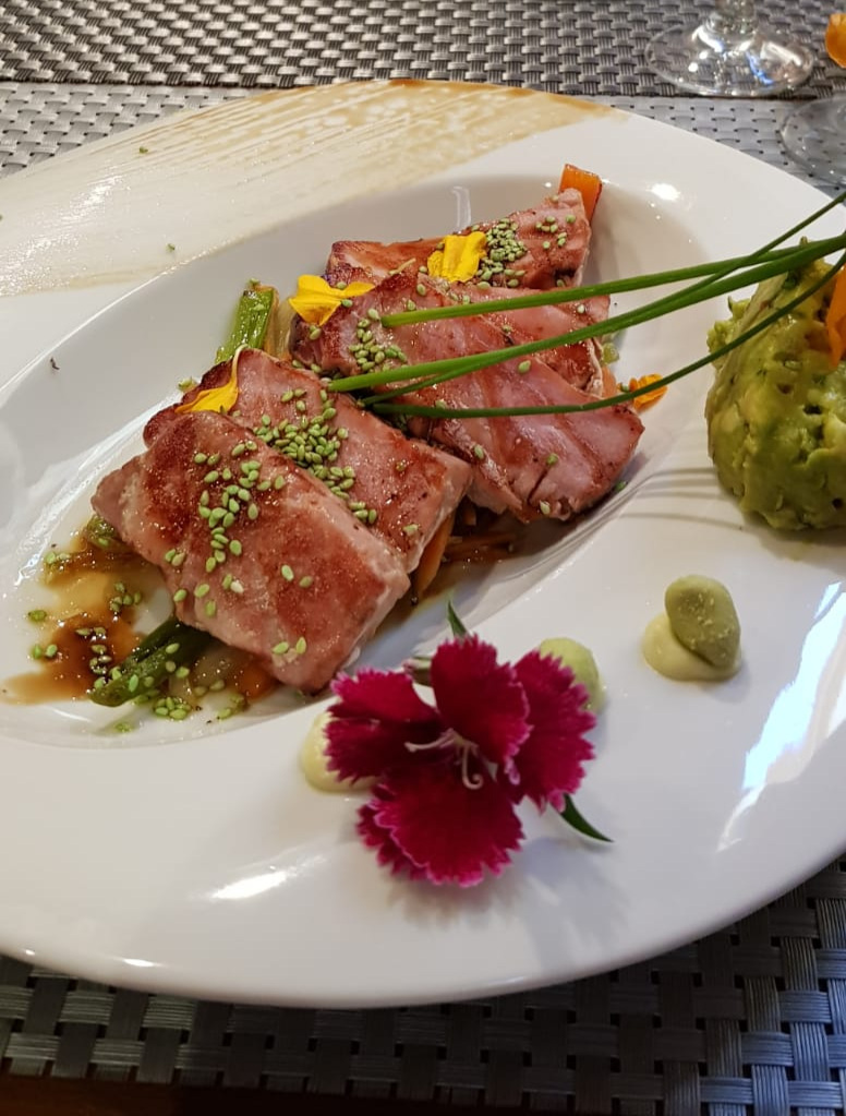 Thankfully, a few common fish dishes, such as salmon are served bones-free.