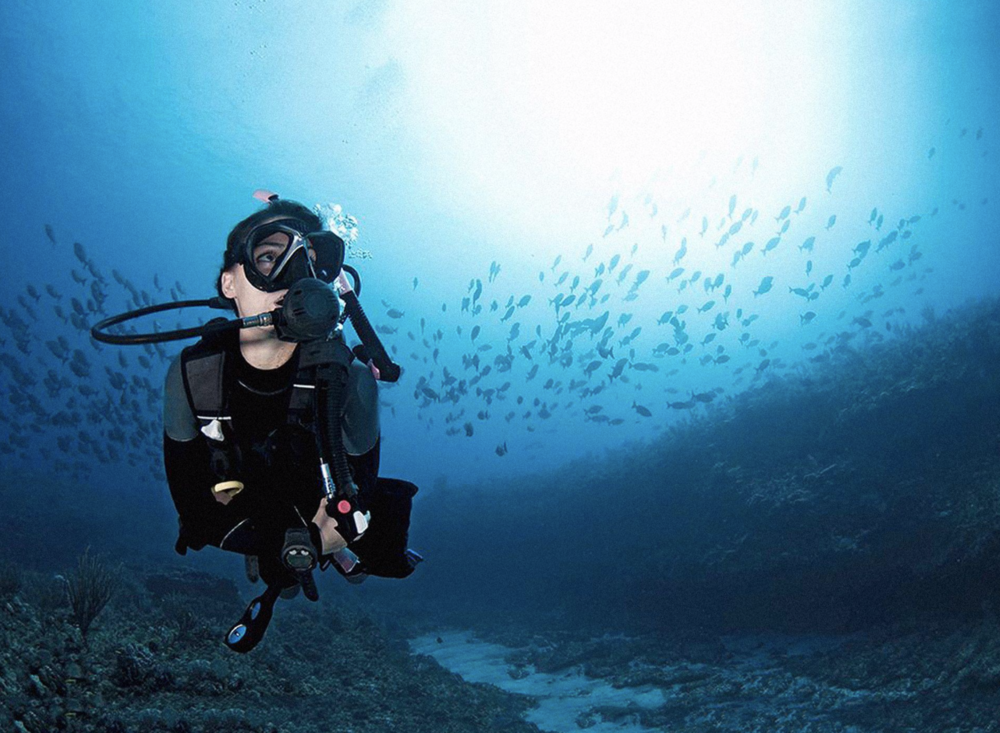 Greece_Santorini_Diving.png