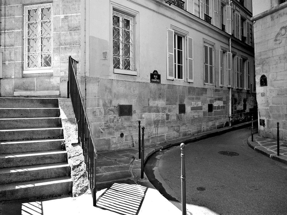 a-l-angle-de-la-rue-des-ursins.jpg