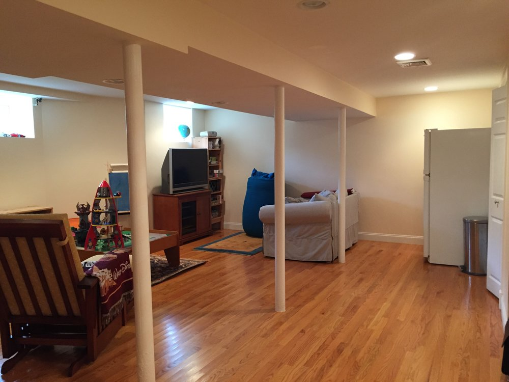 Family room/Playroom Before