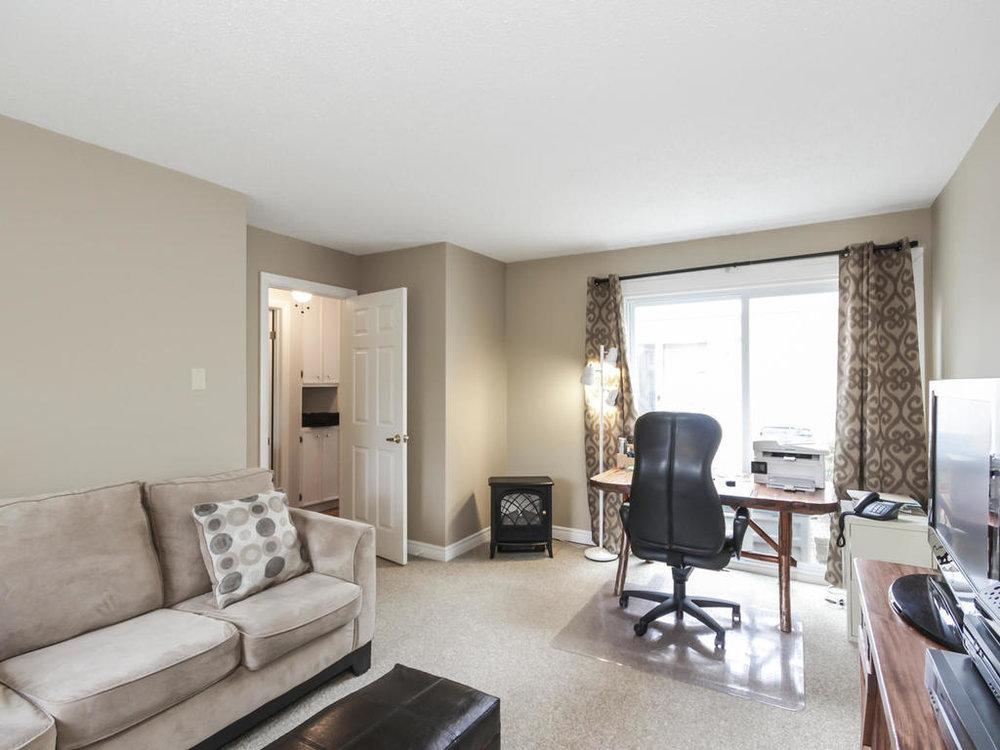 542 Cranbrook Rd London ON N6K-MLS_Size-018-21-Bedroom-1024x768-72dpi.jpg