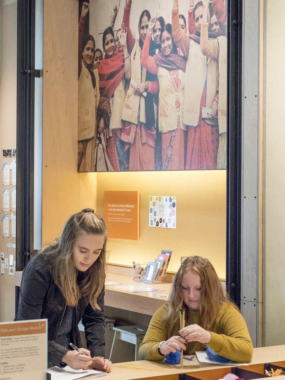 Students collaborating at the Bill & Melinda Gates Discovery Center