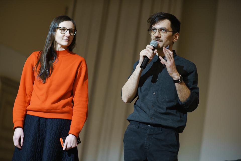 Produsent Zhanna Guzenko og festivalsjef Oleg Khadartsev fra Friday Milk ønsker velkommen til Inversia. Foto:Edward Mikrukov