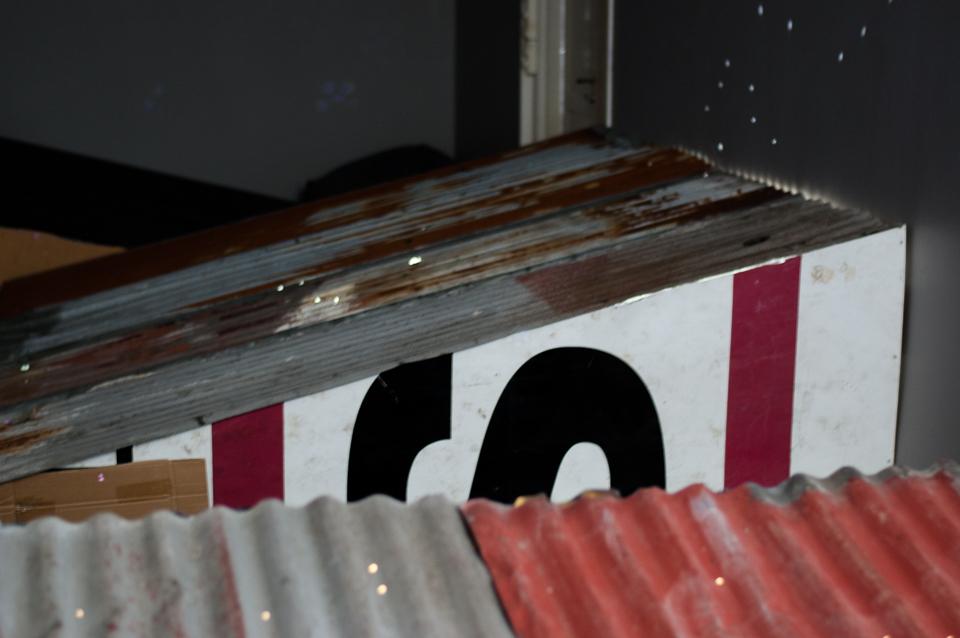 The Others, installasjon med bølgeblikk, lyd og lys. Foto: Hilde Sørstrøm