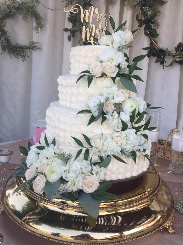 9.15.17-weddingcake5.jpg