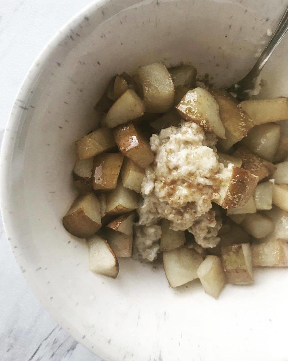 baked pear porridge.jpg