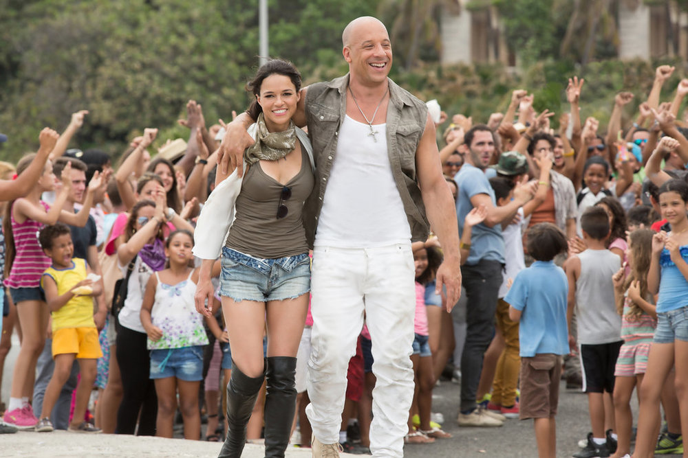 """Michelle Rodriguez y Vin Diesel en """"The Fate of the Furious""""CreditMatt Kennedy/Universal Pictures"""