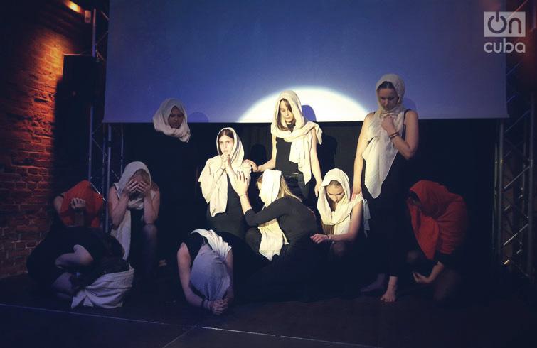 Puesta en escena de la obra Wir sind wir, dirigida por Xiomara Calderón. Foto: Sandra Abd'Allah-Álvarez Ramírez.