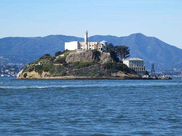 alcatraz-2466621__480.jpg