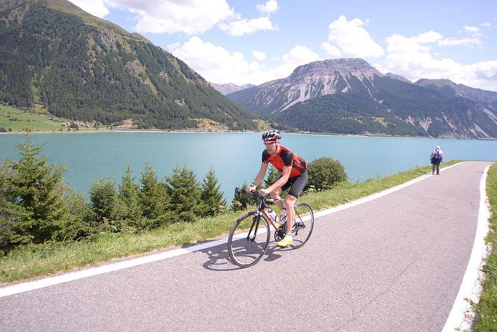 cycling-430045__480.jpg