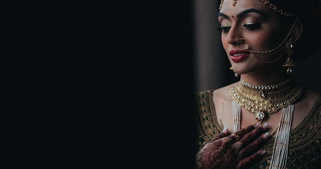 Beautiful bride @kooshiepoo - 4K video frame - great work planning the wedding day @platinumdreamevents  and makeup artist @malihakhanmakeup #indianwedding #indianbride #weddingcinematography #hinduwedding #njweddingvideography #bridalmakeupartist #indianweddingplanner #indianweddingcinematography