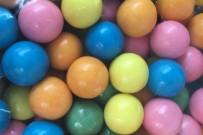coloured bubblegum balls -