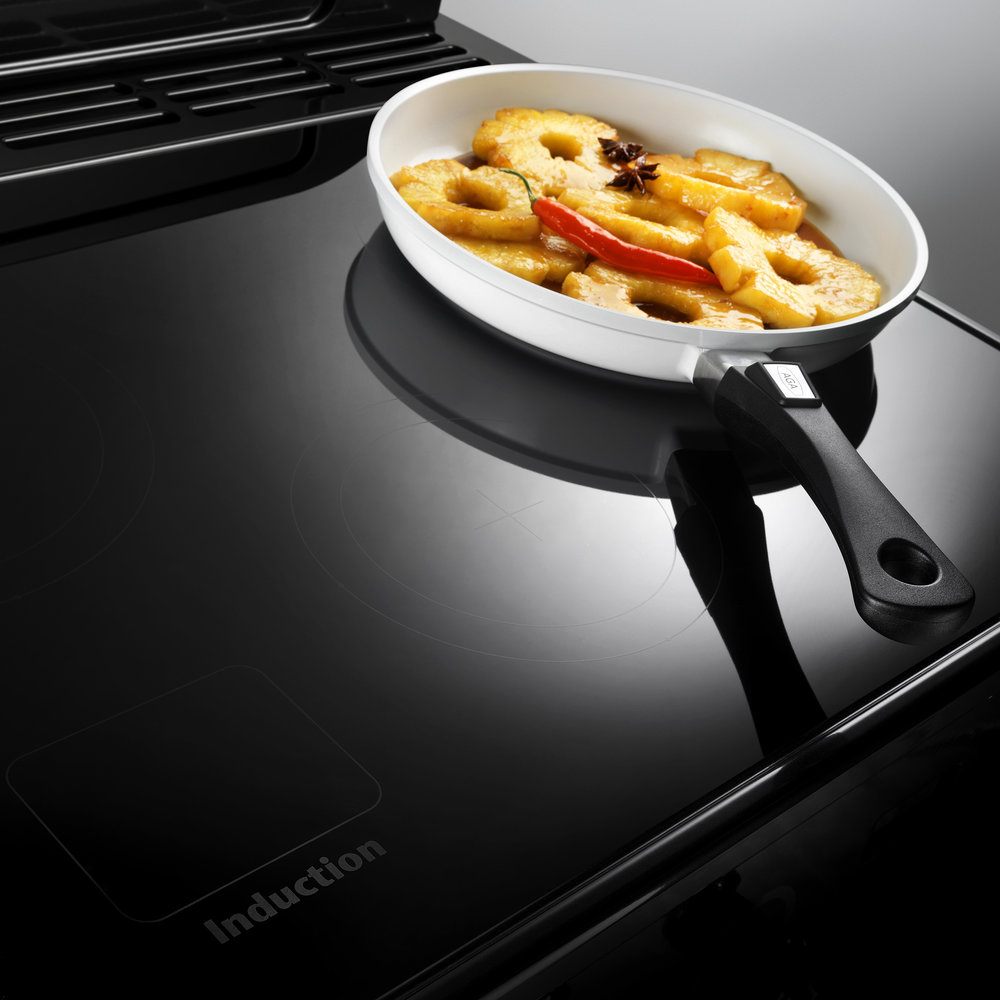 AGA_Masterchef 110_BLACK_Induction Hob_1.jpg