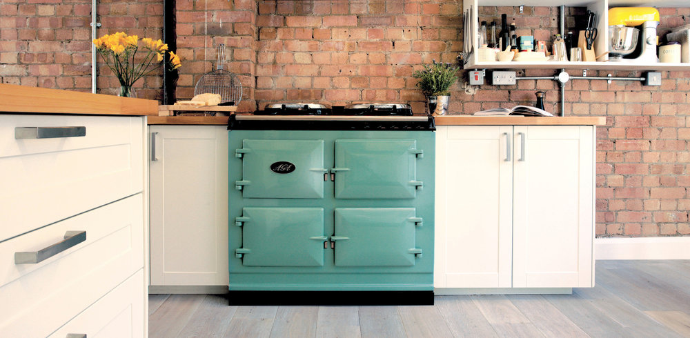 Key features - 3-oven electric modelRoasting oven, simmering oven and baking ovenState-of-the-art control panelIndependently controlled ovensIndependently controlled hotplatesReduced running costs