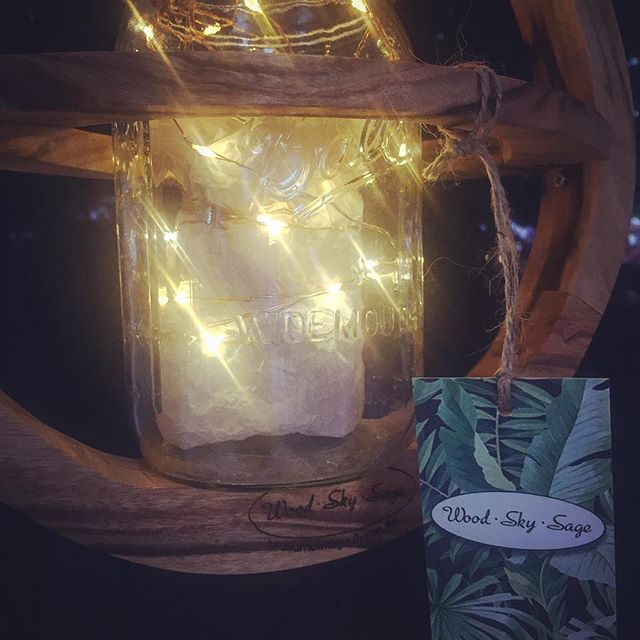 The twinkling #fairylights are in full effect tonight at the @byron_markets  #planthangers #fullmoon #jungalowstyle #bohostyle #marketlife #lovinglife #sunnydays #saturdays #giftideas #beautifulworld #interiordesign #artisan #woodworking #northcoastnsw #byronbay #mullumbimby #masonjar #balljar