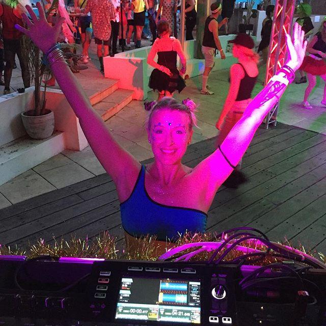 So the Bayfm 80s and 90s discotheque was pretty awesome. Let the festive season begin! #byronbay #bayfmbyronbay #festiveseason #lovinglife #gwenstefanifan #iwascoolinthe90s