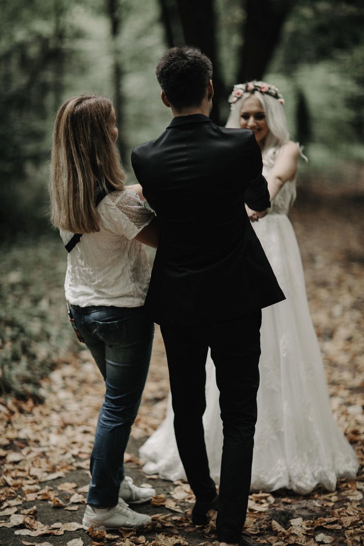 Amintiri frumoase - Sedintele dupa nunta sunt un moment in care ne relaxam si ne distram, surprindem iubirea si fericirea, fara presiunea si grijile din timpul nuntii.