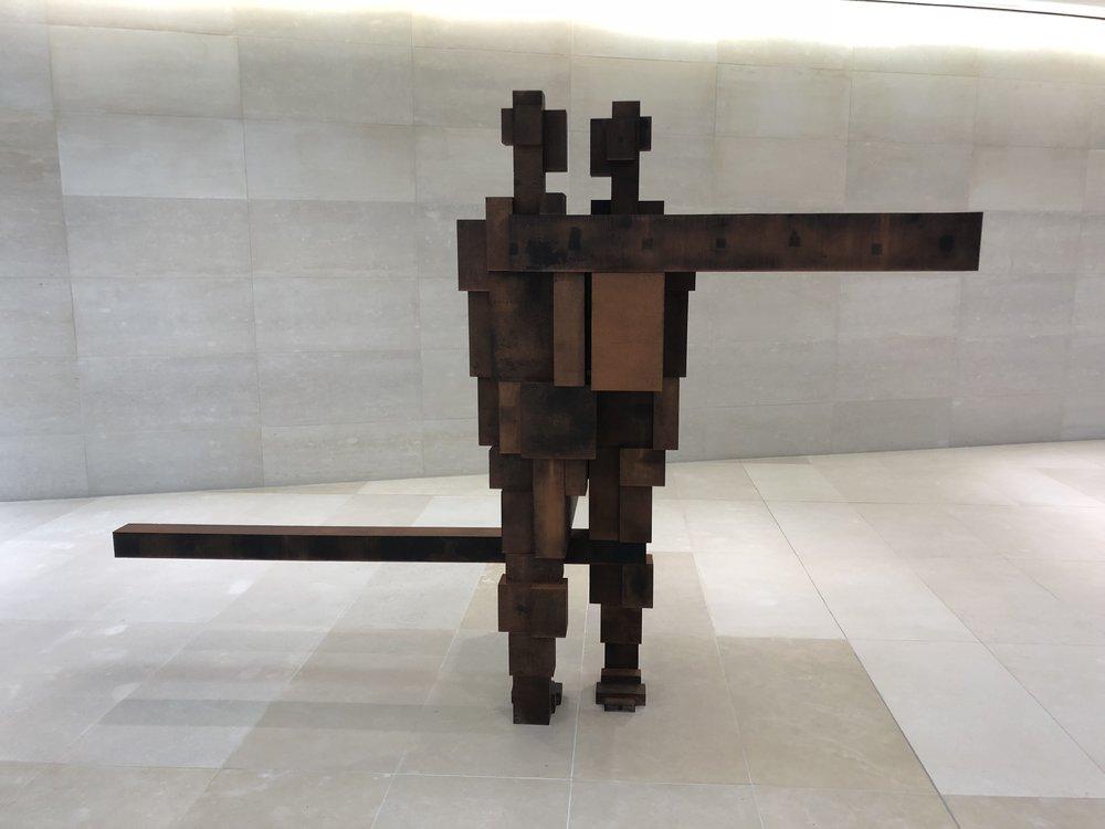 Hinge, Gormley.