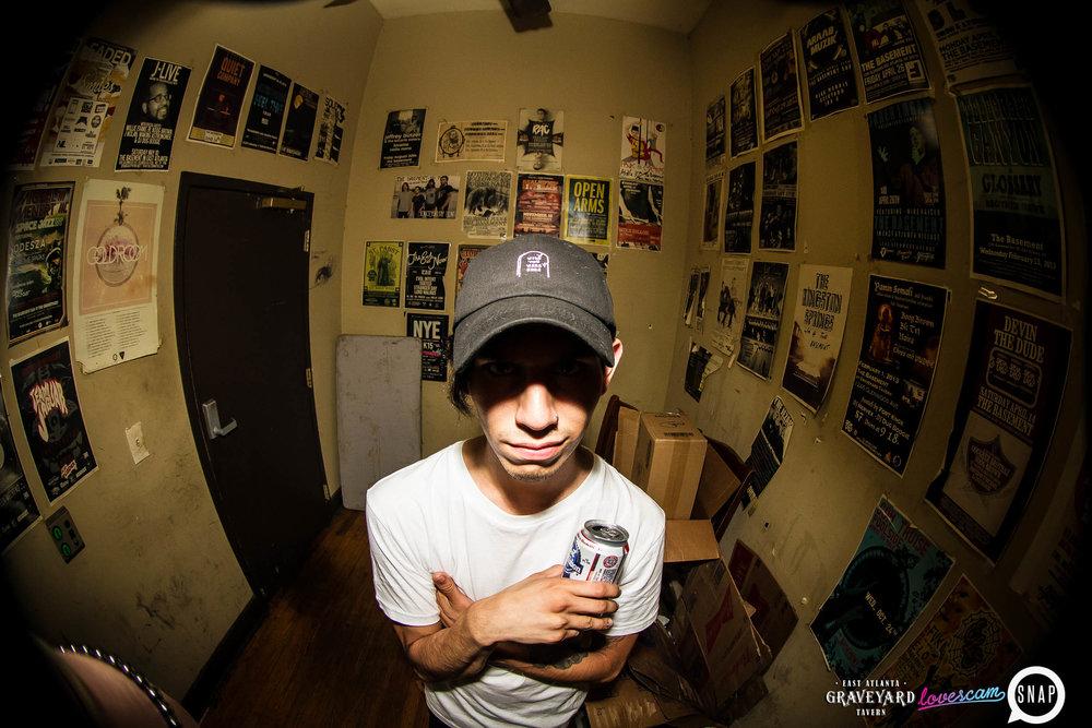 lovescam72-23.jpg