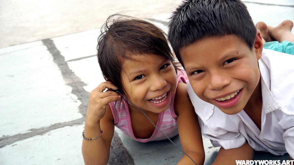 Wardyworks_Iquitos-Boat-Kids.jpg