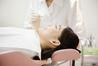 Patient Getting Sedation Dentistry Services in Green Hills, TN