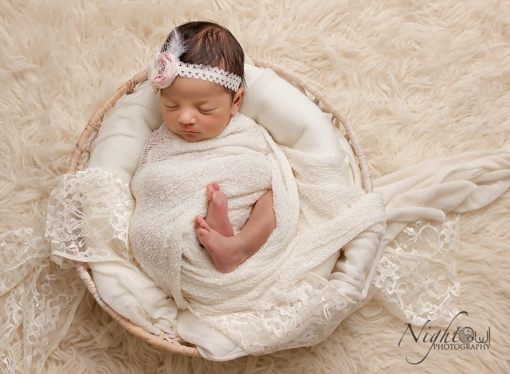 Mini Newborn Session - Mini Newborn session are perfect for newborns through 8 weeks. So they are great for older newbornsOr for parents who just want a quick session or a few beautiful portraitsPart of Night Owl Photography baby registry plan!Interest free Payment Plans available for all sessions and Print collections!