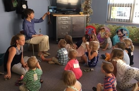 First Look - For ages 2- 3(preschool) and Junior Kindergarten. Each group has a time of small group learning with age appropriate activities to enhance the weekly bible story and bottom line. They come together for a time of worship where they learn about God's word and sing songs.