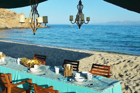 Farewell beachside breakfast