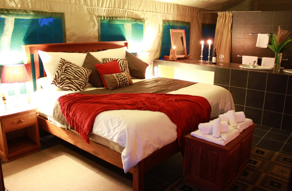 15. Imvelo Safari Lodges - Bomani Tented Lodge - Spurwing Honeymoon Suite.JPG